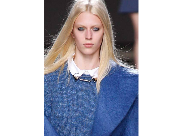 in detail catwalk jewellery trends safety pins