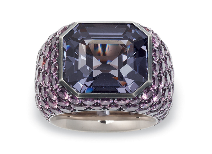 in detail hemmerle ring GEMSTONE