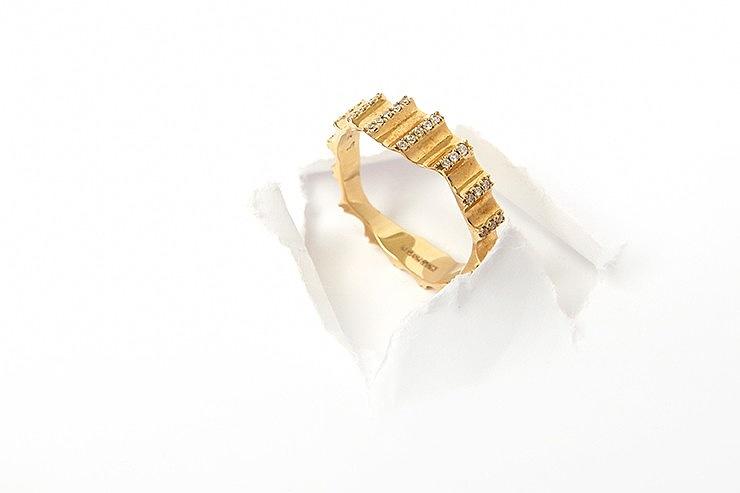 UNIQUE GOLD WEDDING BANDS