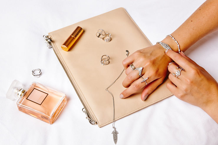 in detail v jewellery 13460 Laura Vann